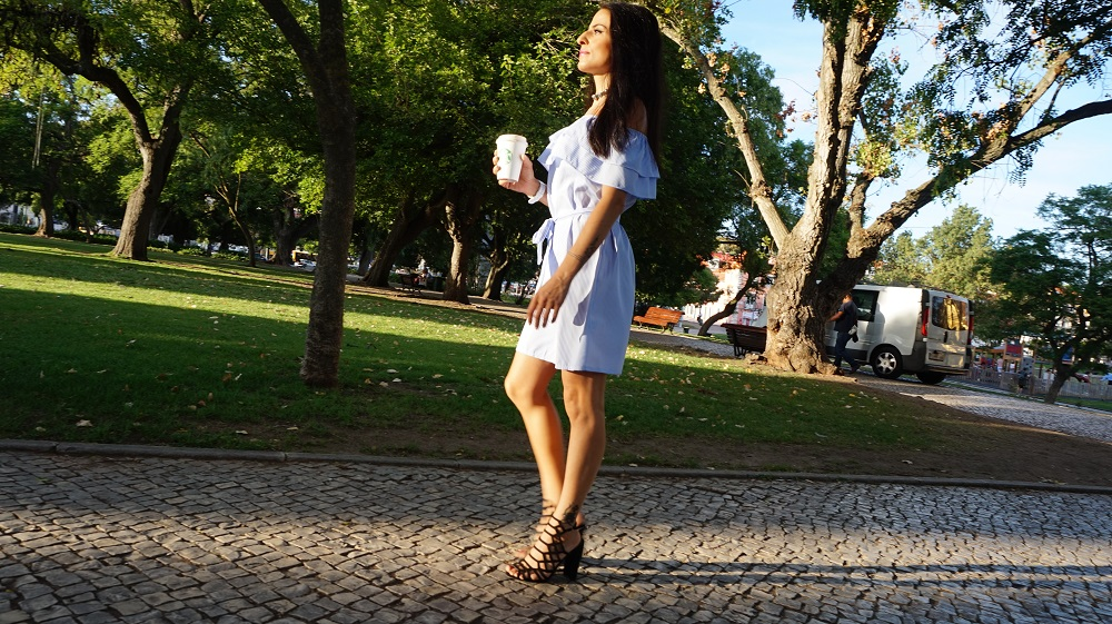 Vestido off shoulder